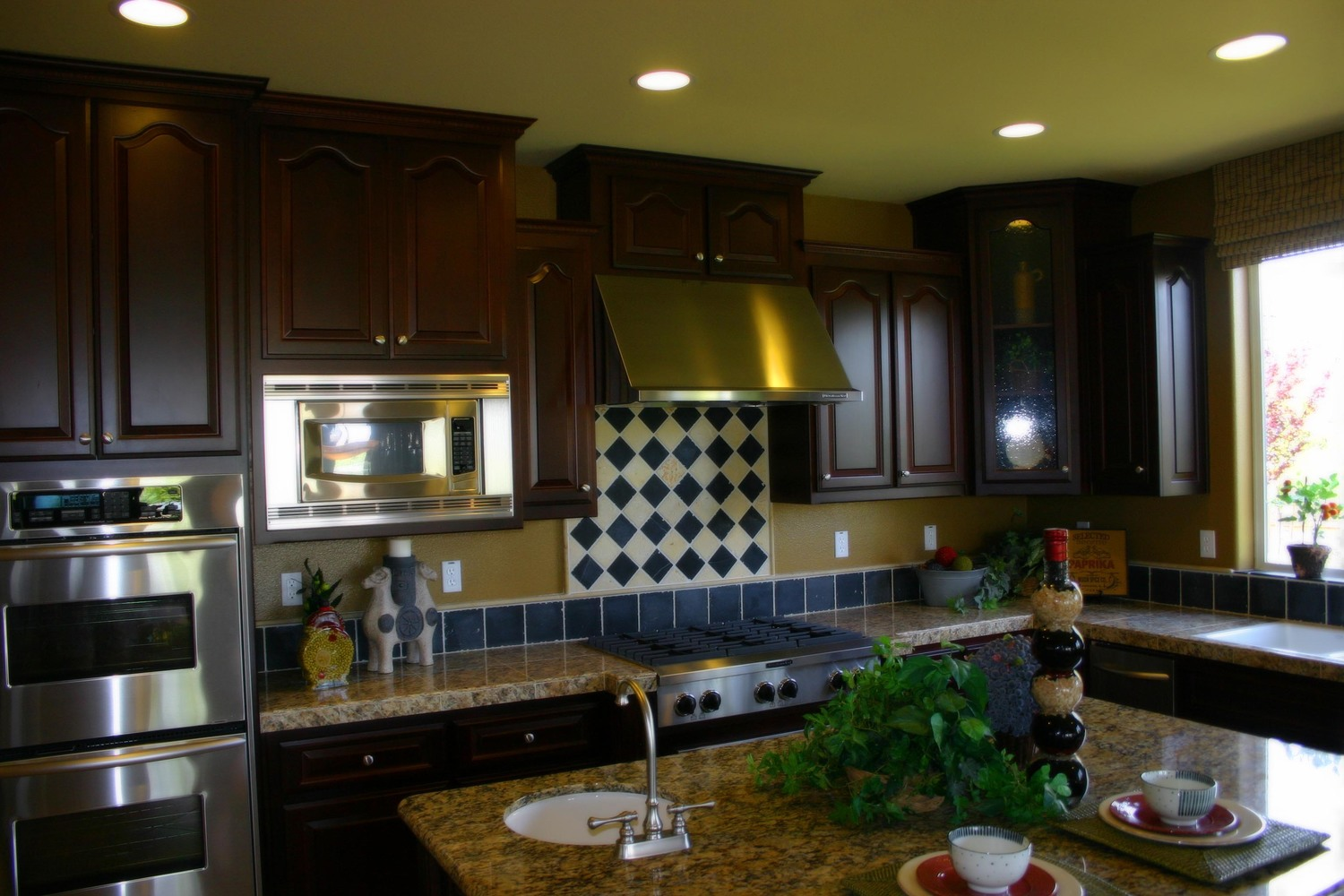 Contact Capital Cabinets & Floors Inc. | Kitchen Bathroom